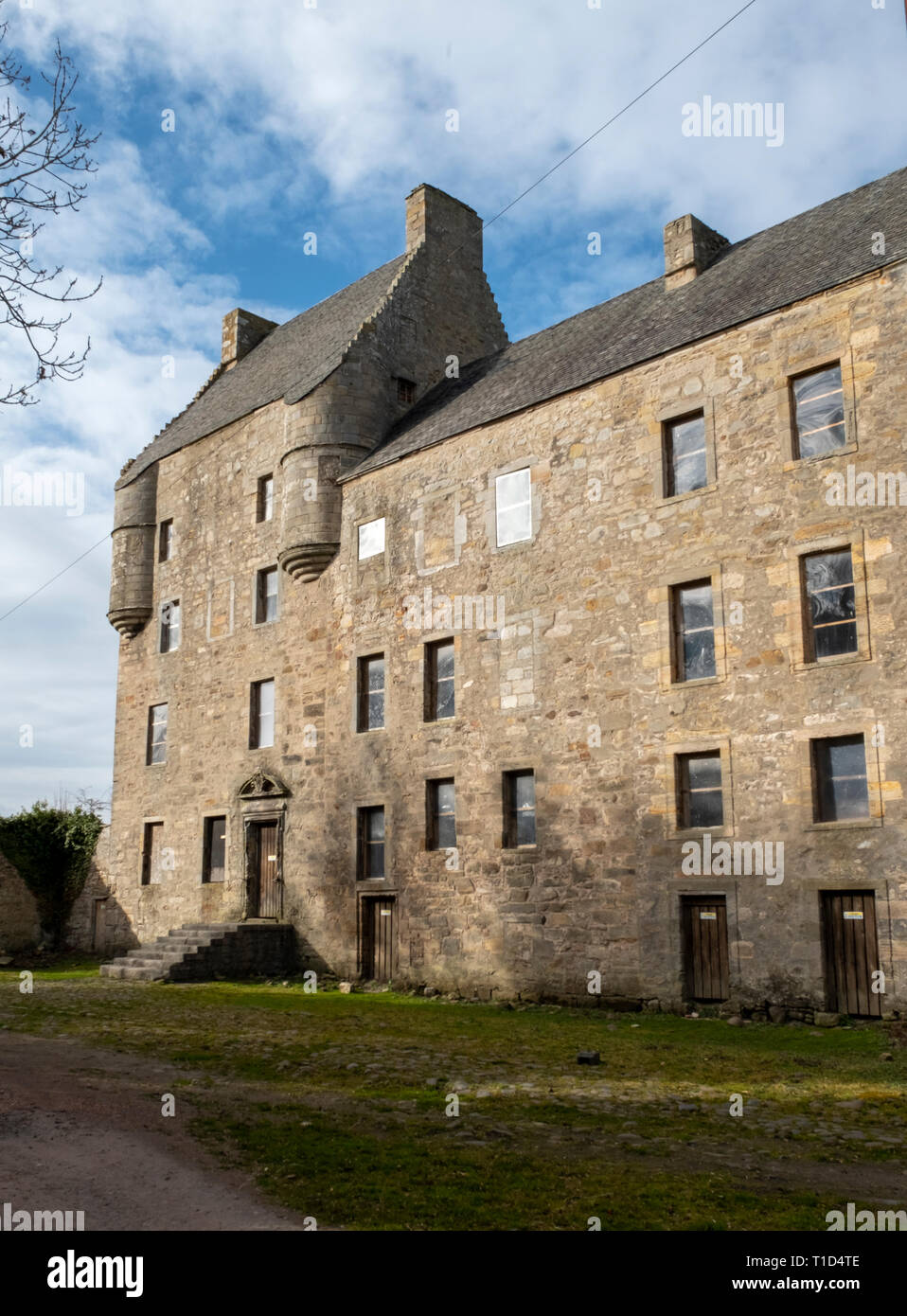 Midhope castle, Abercorn, Hopetoun estate, South Queensferry. The castle is known fictionally as 'Lallybroch', in the Outlander tv series. - Stock Image