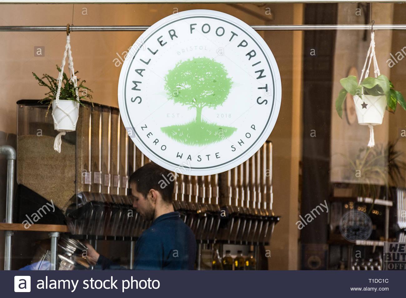Smaller Footprints, a zero waste shop in Regent Street, Clifton Village, Bristol, England, UK - Stock Image