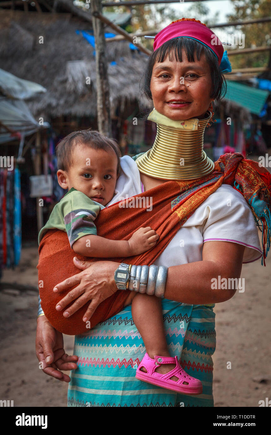 Long neck woman with her child (Kayan tribe) Stock Photo