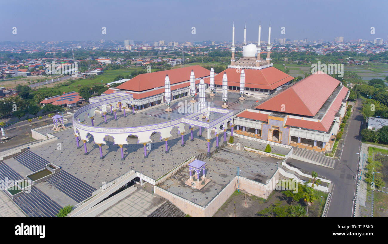 Grand Mosque of Central Java in Semarang. A mix of Javanese, Roman and Islamic architecture. Indonesia is the largest muslim country in the world. - Stock Image