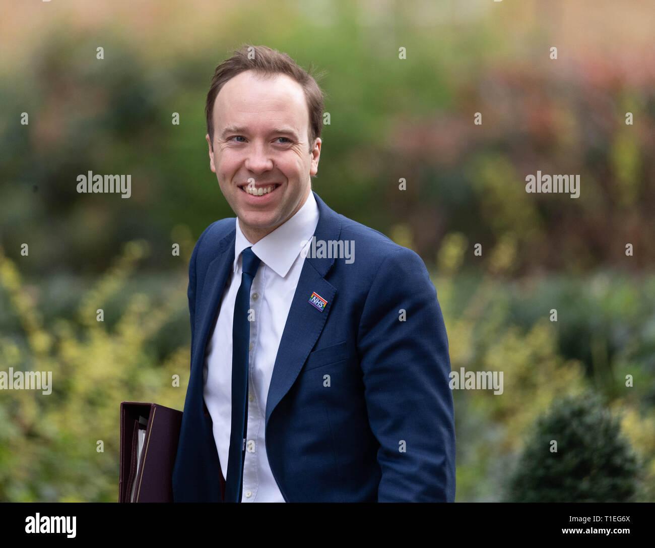 London, UK. 26th March 2019, Matt Hancock, MP PC, Health Secretary arrives at a Cabinet meeting at 10 Downing Street, London, UK. Credit: Ian Davidson/Alamy Live News - Stock Image