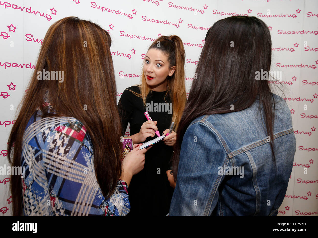 Vlogger and internet personality Zoe Suggs aka Zoella meets fans at Superdrug's store in Churchill Square in Brighton 30 October 2014 - Stock Image