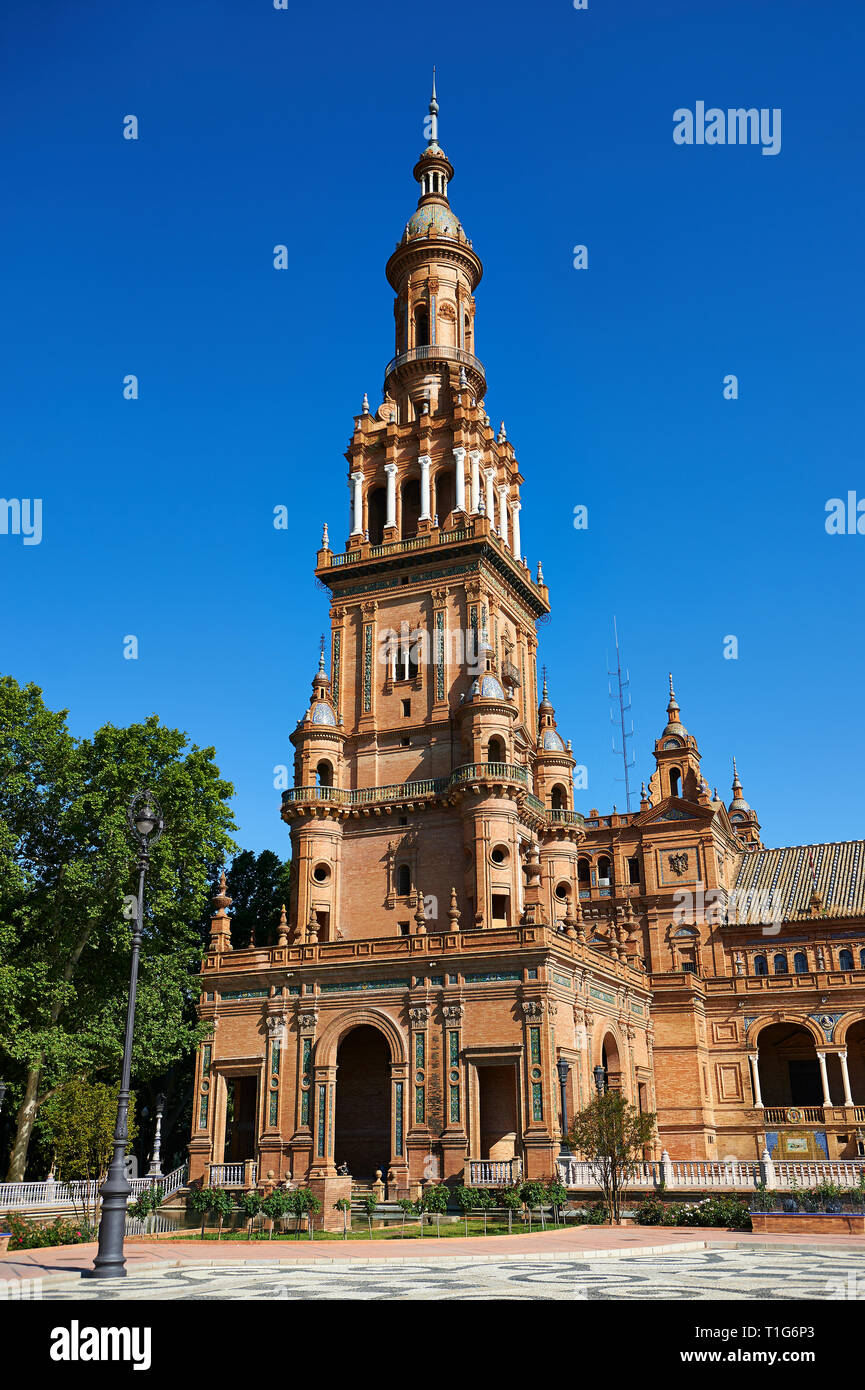 The North Tower of the Plaza de Espana in Seville built in 1928 for the Ibero-American Exposition of 1929, Seville Spain - Stock Image