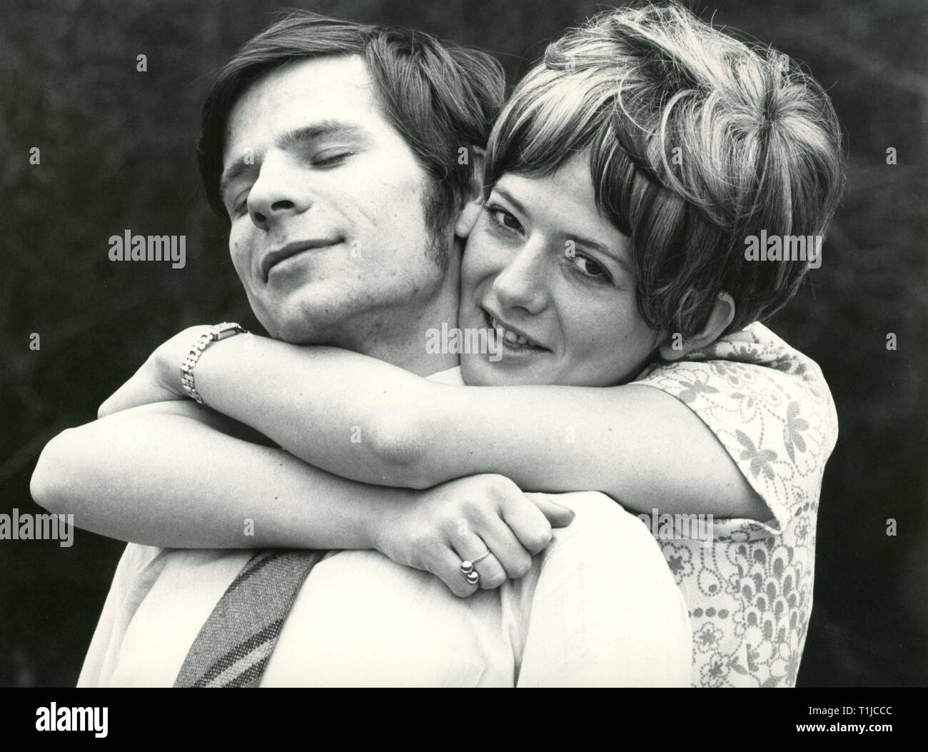 people, couples, lovers / romanticism, couple embracing each other, 1970s, Additional-Rights-Clearance-Info-Not-Available - Stock Image