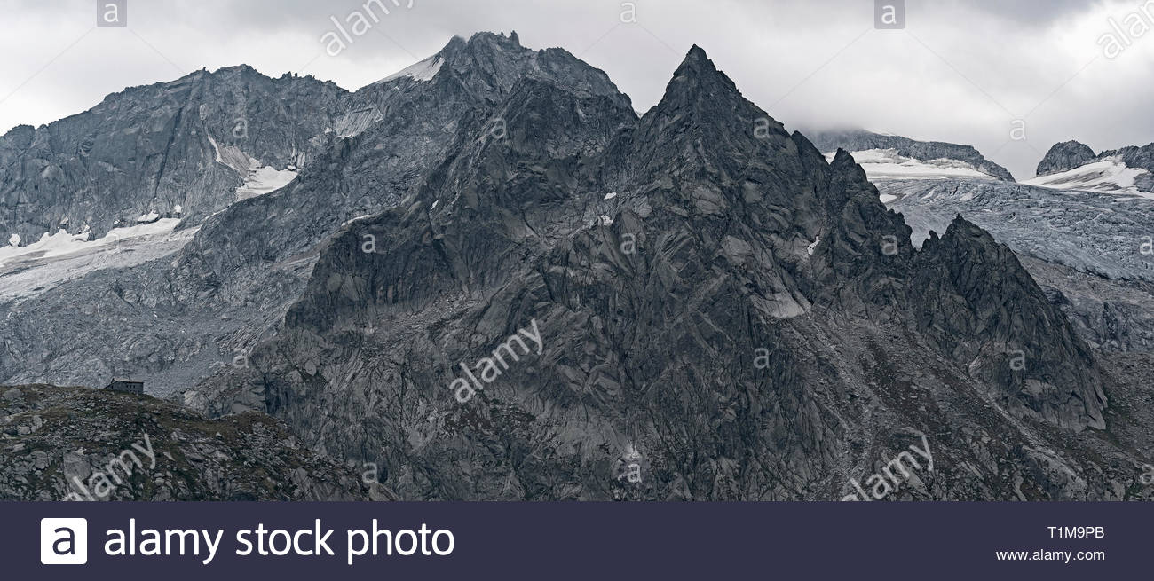 Punta da l'Albigna summit and Cima di Castello summit, Bregaglia, Graubuenden, Switzerland - Stock Image