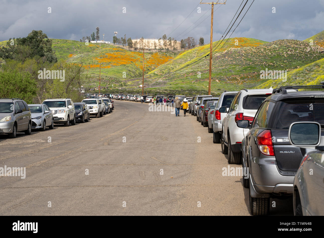 Lake Elsinore, California - March 20, 2019: Cars parked along the side of the road, showing the difficult parking situation in Lake Elsinore Walker Ca - Stock Image