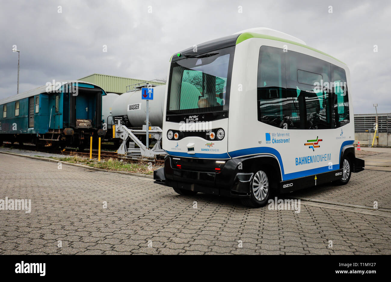 Monheim, North Rhine-Westphalia, Germany - Presentation of the autonomous electric bus in regular service, model EZ10 of the company Easymile, at the  Stock Photo