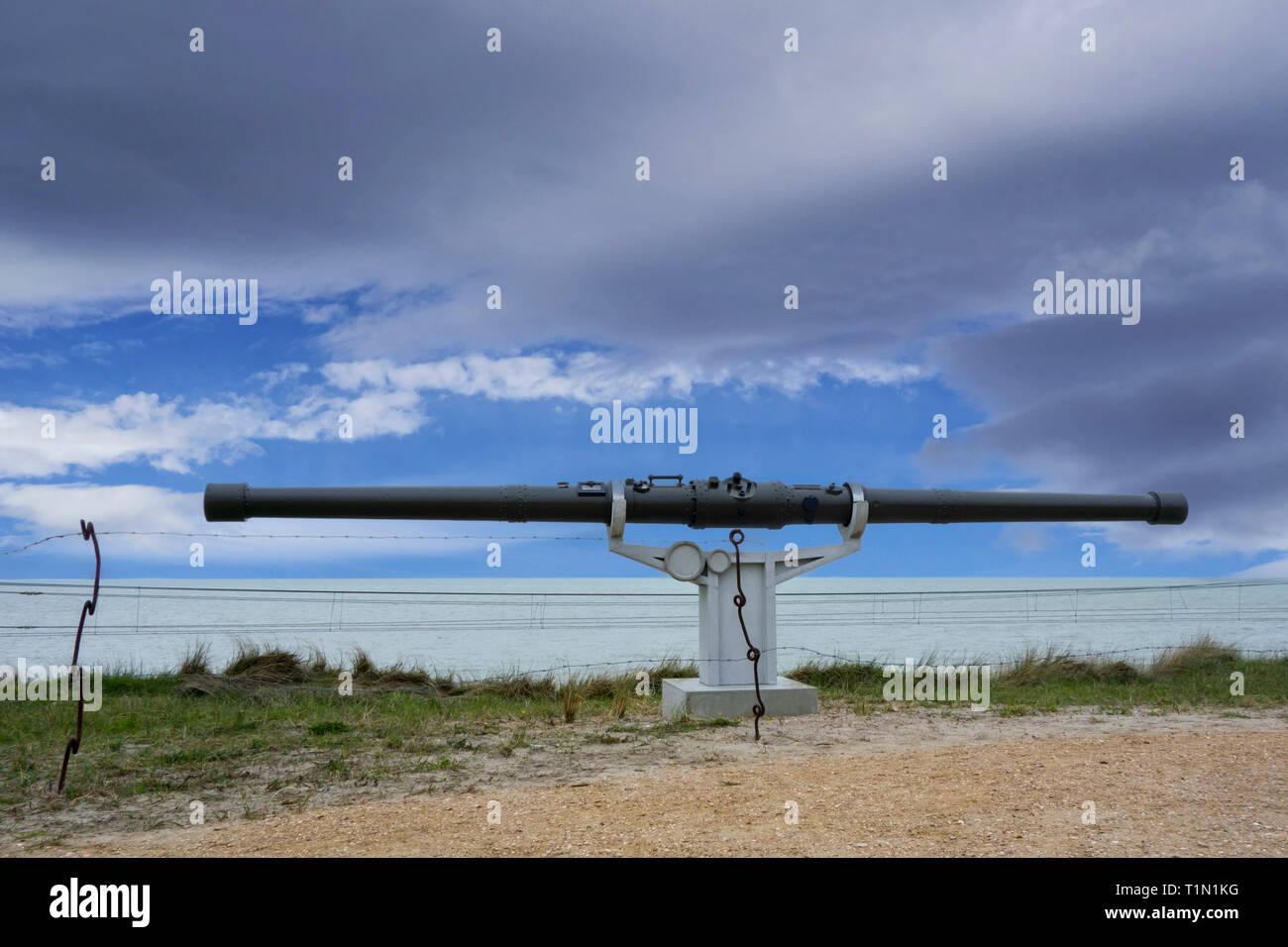 German coincidence rangefinder / stereoscopic rangefinder/ parallax rangefinder / split-image rangefinder along the North Sea coast, Raversijde - Stock Image