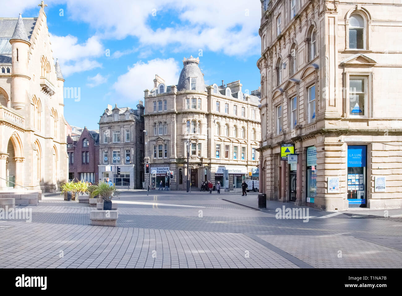 Dundee, Scotland, UK - March 23, 2019: A quiet Albert Square in Dundee's City centre as retail parks take business away from Scottish High Street. - Stock Image
