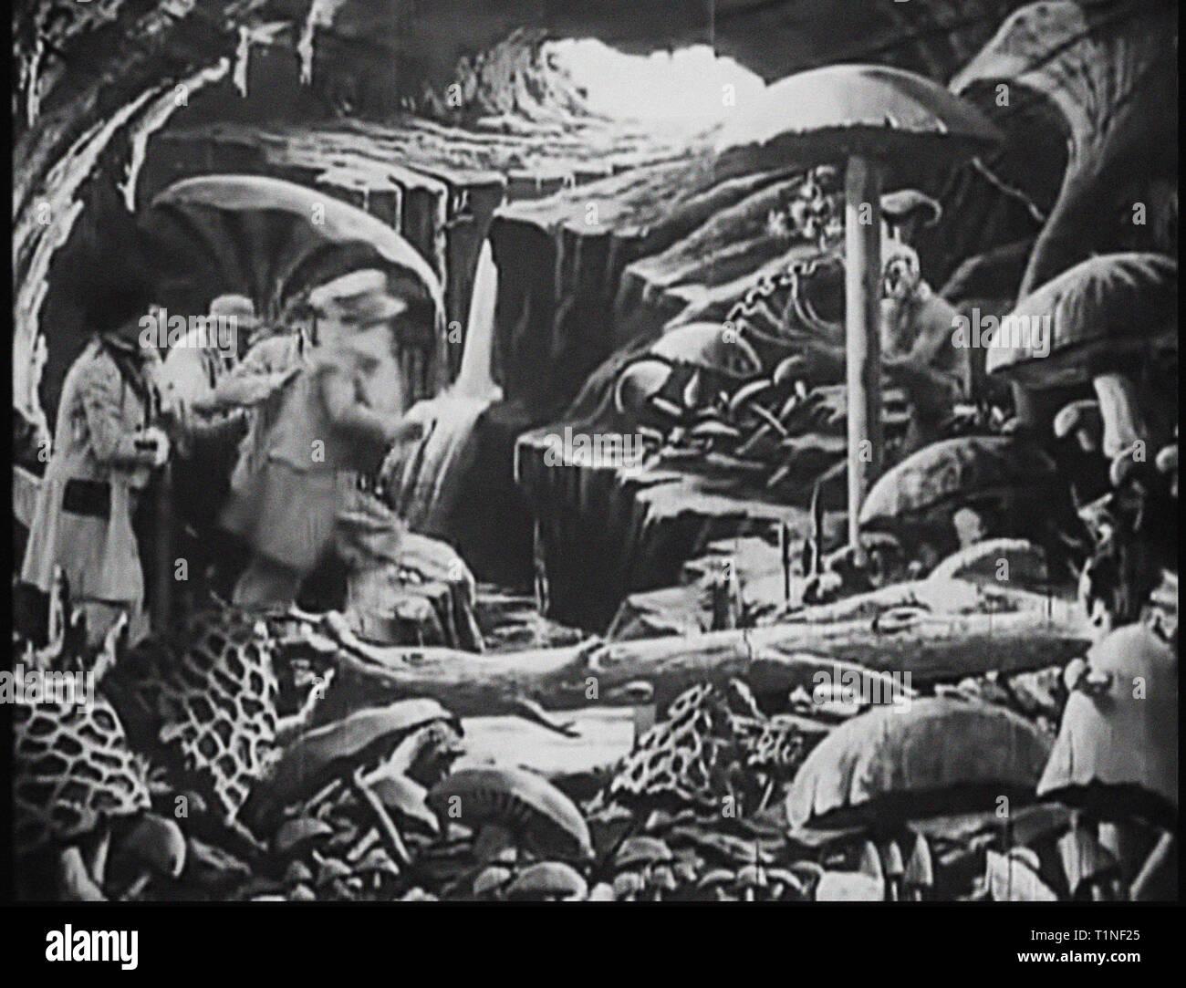 Le Voyage Dans La Lune 1902 Stock Photos Le Voyage Dans La