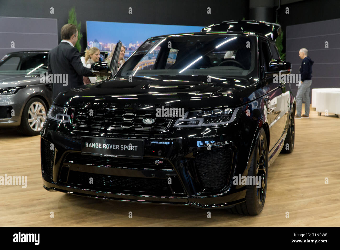 Black Range Rover Sport High Resolution Stock Photography And Images Alamy