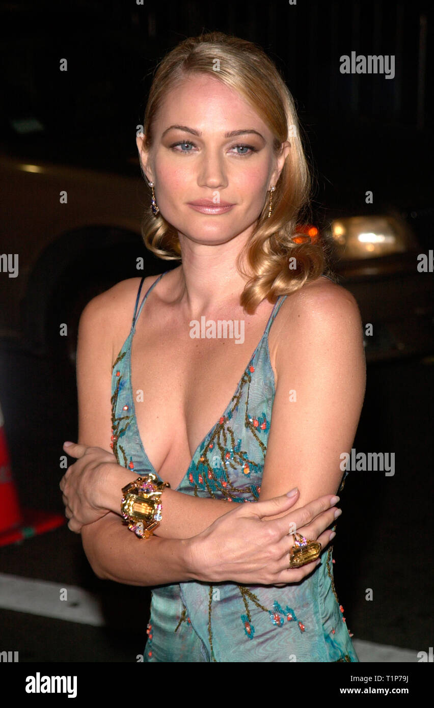 LOS ANGELES, CA. November 13, 2000: Australian actress Sarah ...