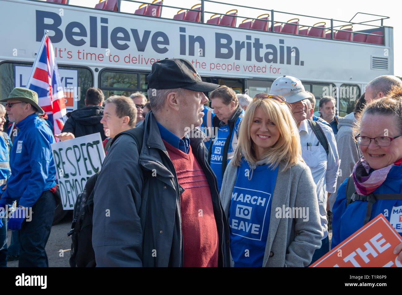 Aylesbury, United Kingdom. 28 March 2019. The pro Brexit campaign 'March for Leave' sets off from Aylesbury led by Leave Means Leave chairman John Longworth. PICTURED: Esther McVey MP. Credit: Peter Manning/Alamy Live News Stock Photo