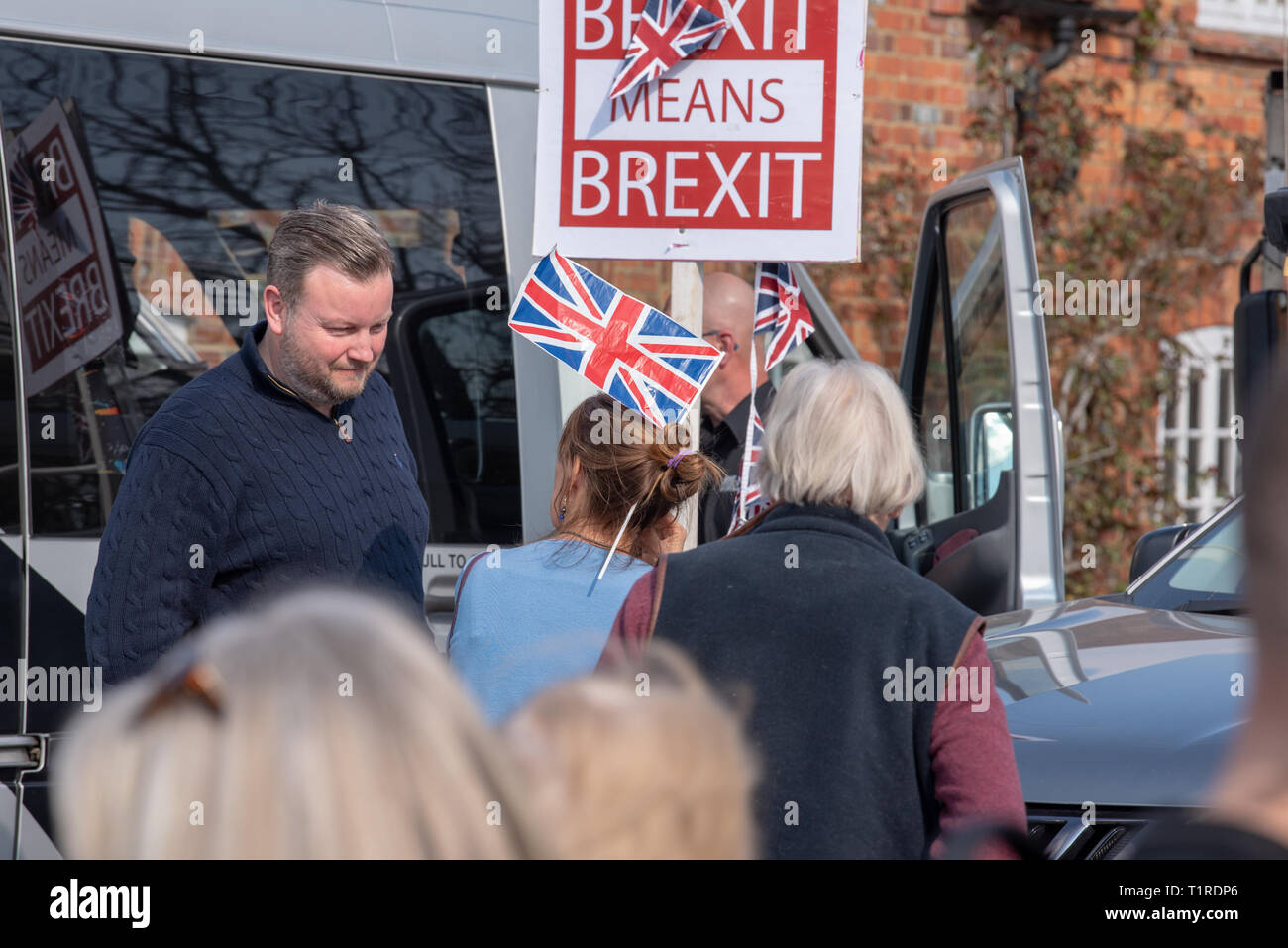 Buckinghamshire, United Kingdom. 28 March 2019. The pro Brexit campaign 'March for Leave' makes it way through Buckinghamshire after setting off from Aylesbury led by Leave Means Leave chairman John Longworth. Credit: Peter Manning/Alamy Live News Stock Photo