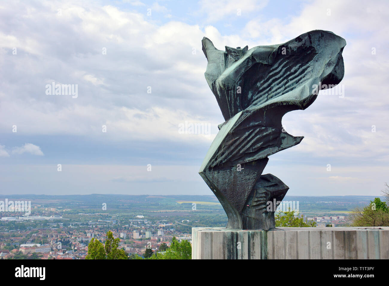 texto Ópera frecuentemente  Nike statue on the hill, Pecs, Hungary. Nike szobra, Pecs, Magyarorszag  Stock Photo - Alamy