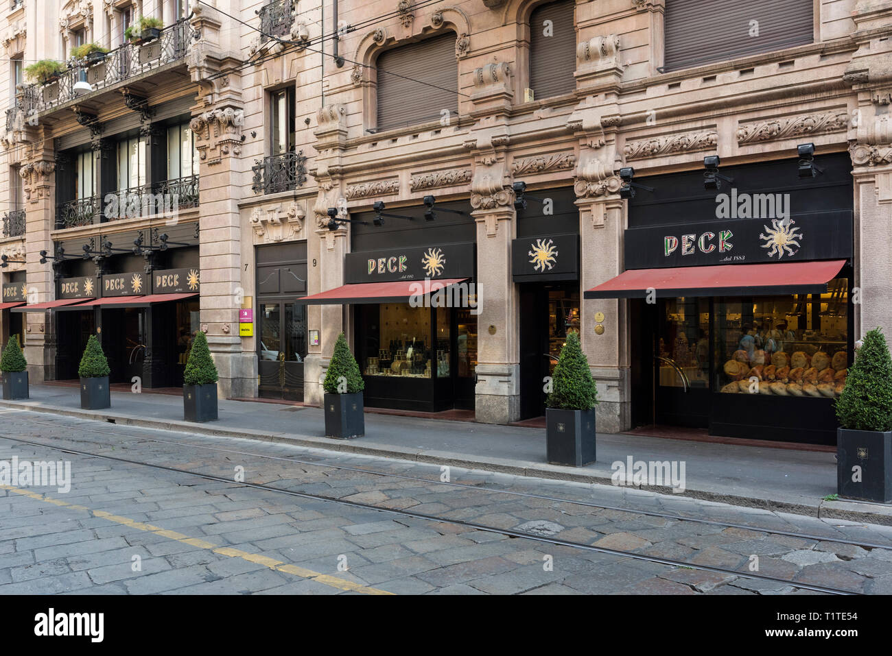 Milan. Italy. Exterior of Peck, well known delicatessen on Via Spadari 9. - Stock Image