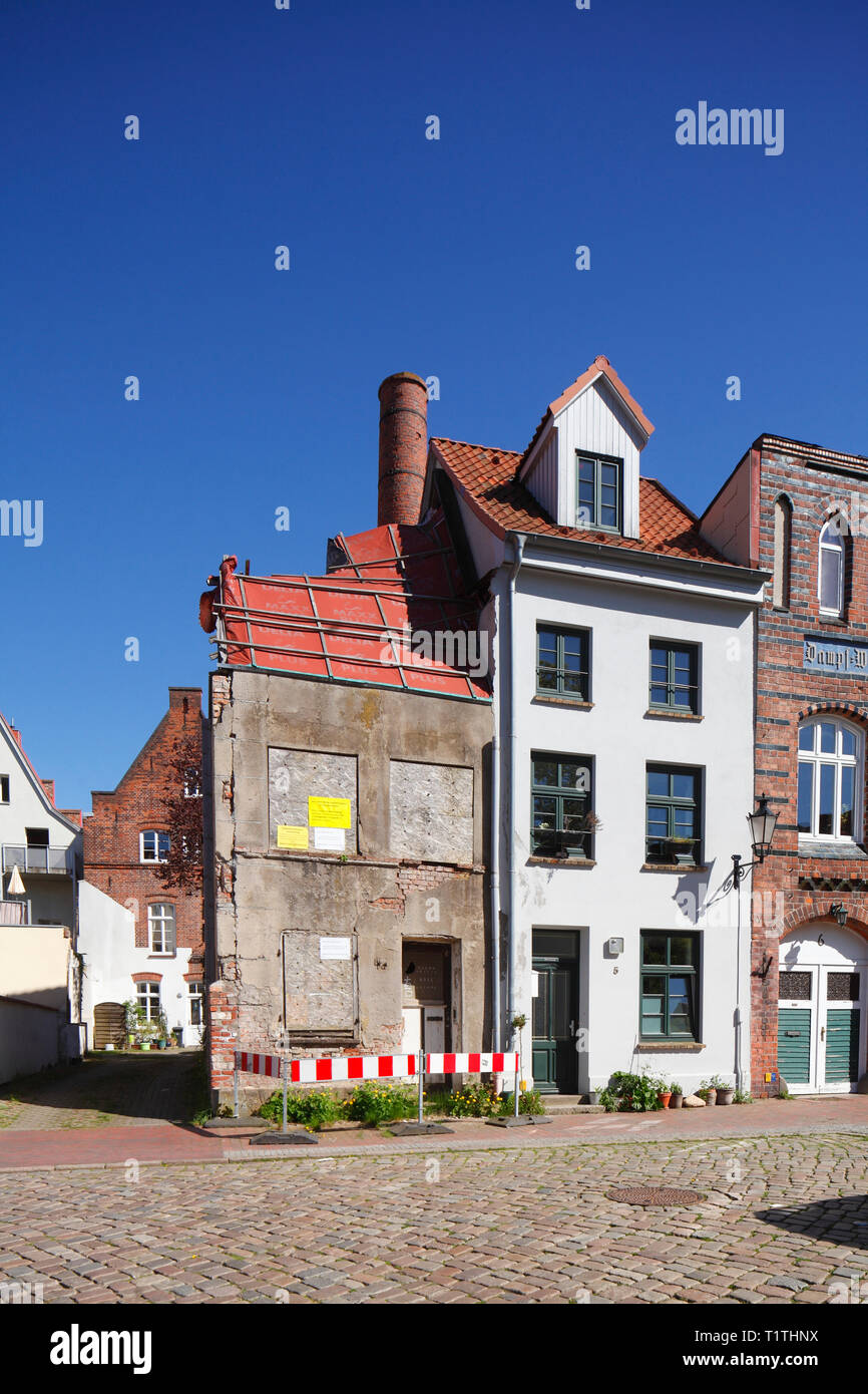 Old dilapidated house, Wismar, Mecklenburg-Vorpommern, Germany, Europe - Stock Image