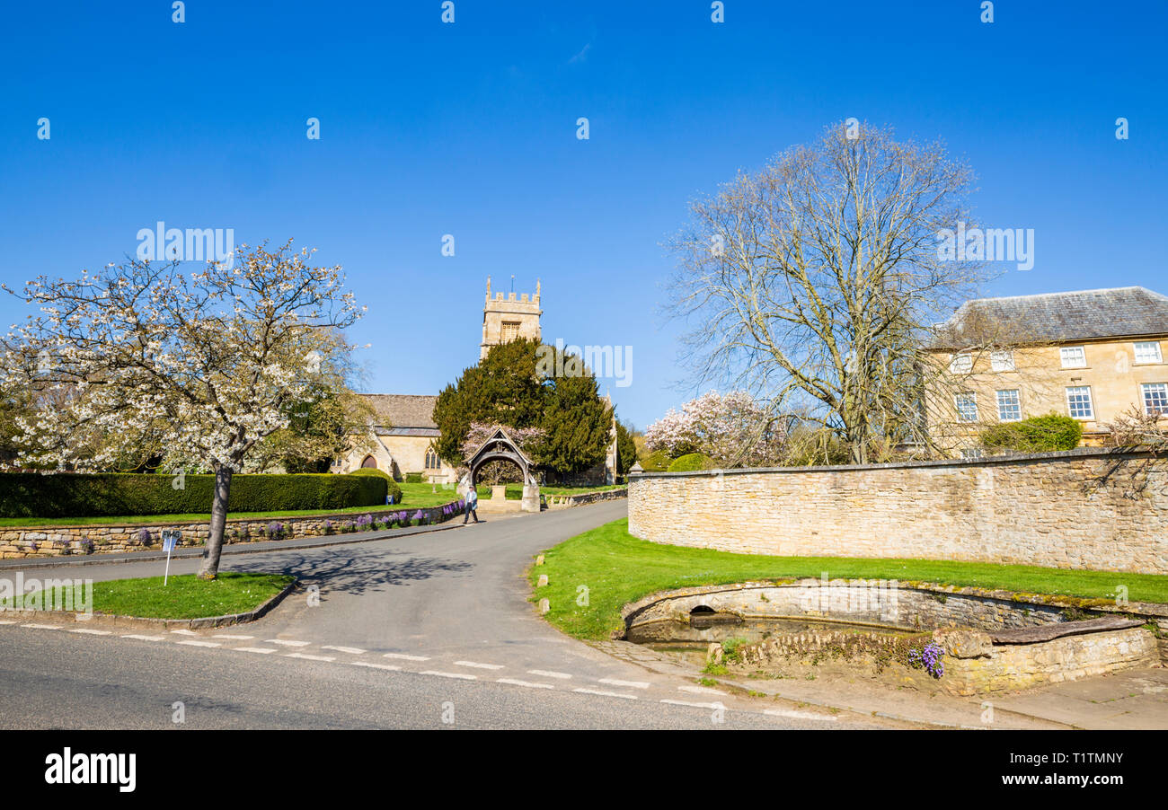 The unspoilt Cotswold village of Overbury in Worcestershire, England - Stock Image