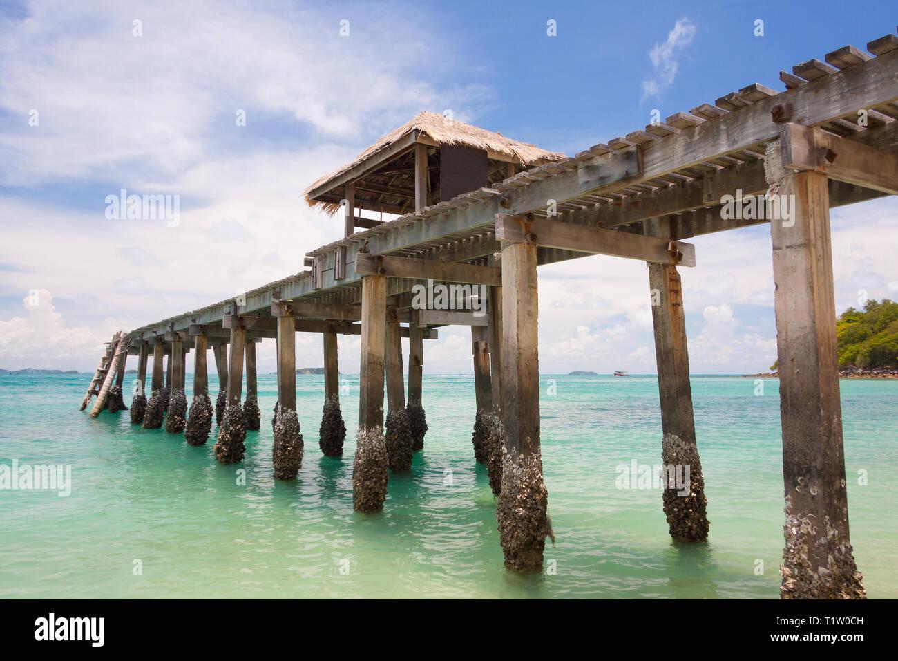 Bridge in emerald sea at Sames Island,Thailand Stock Photo