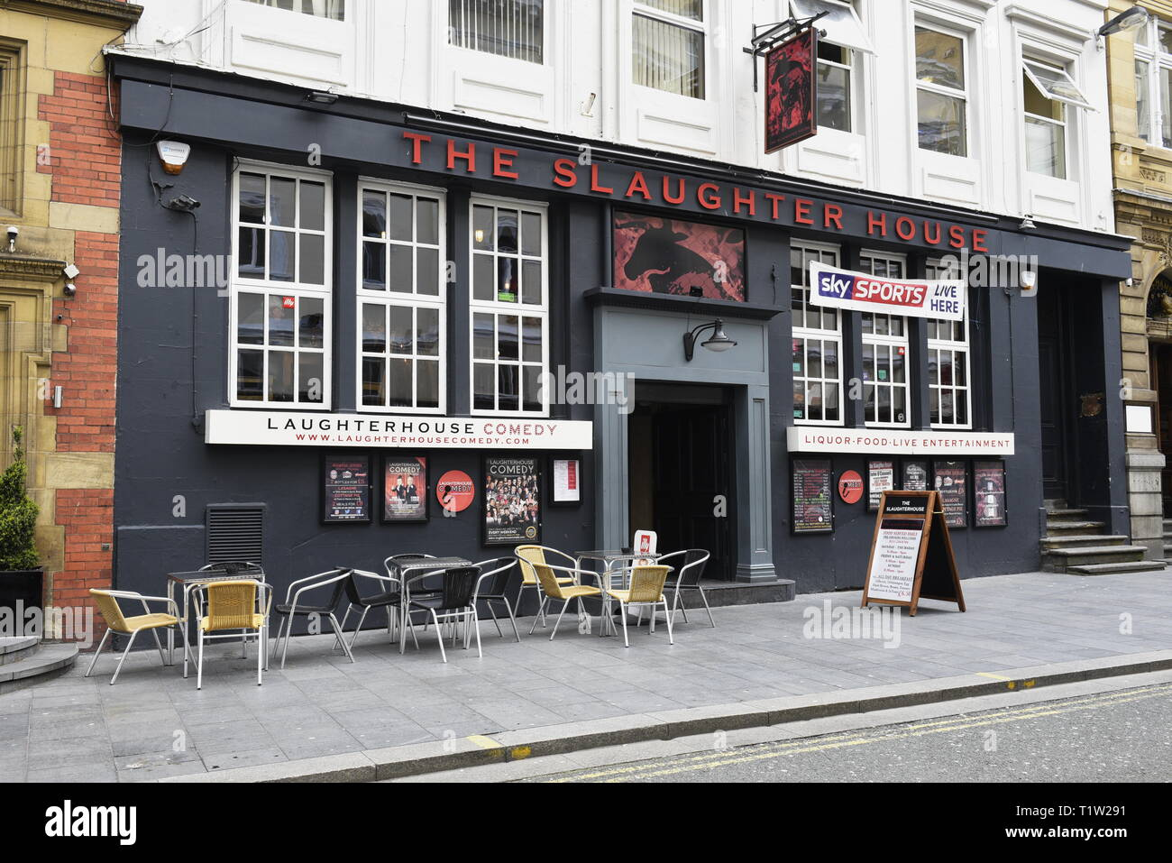 The Slaughter House, 13-15 Fenwick St, Liverpool L2 7LS. Traditional pub food, live sport, live music and home to Laughterhouse Comedy. - Stock Image