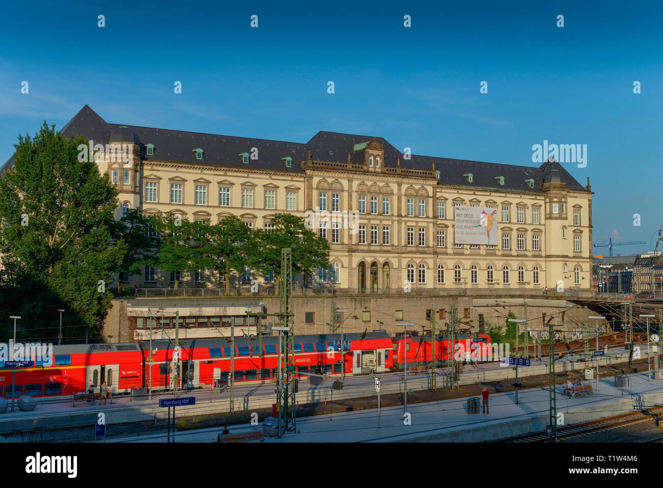 Museum fuer Kunst und Gewerbe, Steintorplatz, St. Georg, Hamburg Stock Photo