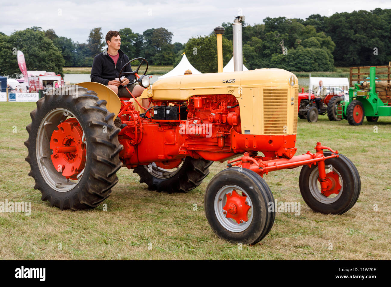 1950's Case Diesel 400 tractor at the 2018 Aylsham Agricultural Show, Norfolk, UK. - Stock Image