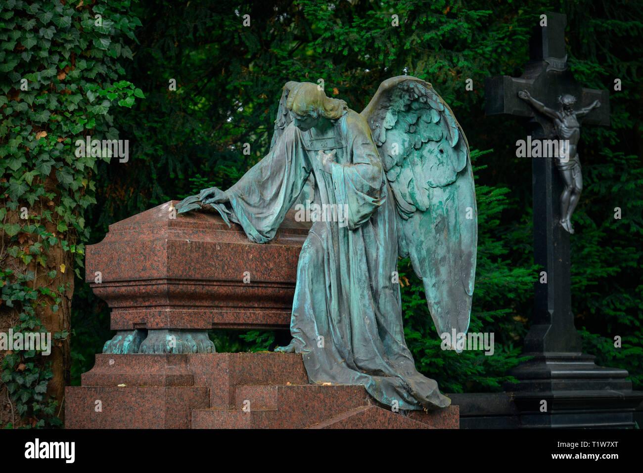 Engel, Granitsarg, Melaten-Friedhof, Aachener Strasse, Lindenthal, Koeln, Nordrhein-Westfalen, Deutschland Stock Photo