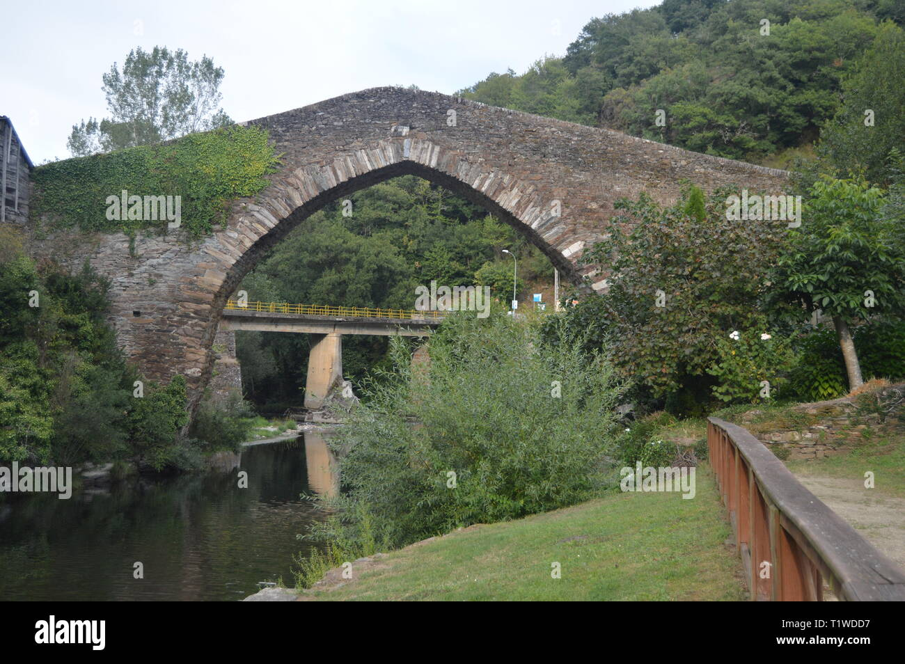 Fotos De Navia wonderful medieval style bridge crossing the suarna river on