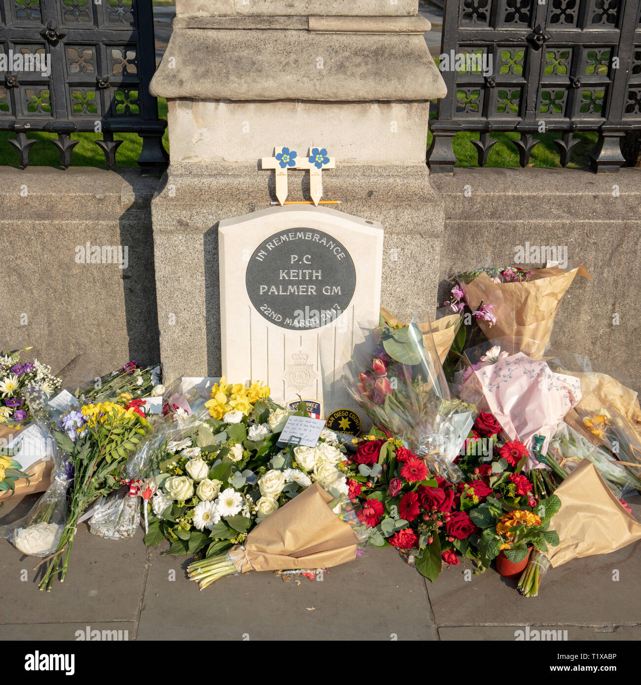 Memorial plaque of PC Keith Palmer, GM, murdered by a terrorist during the 2017 Westminster attack, outside the Westminster Palace, London, England,UK Stock Photo