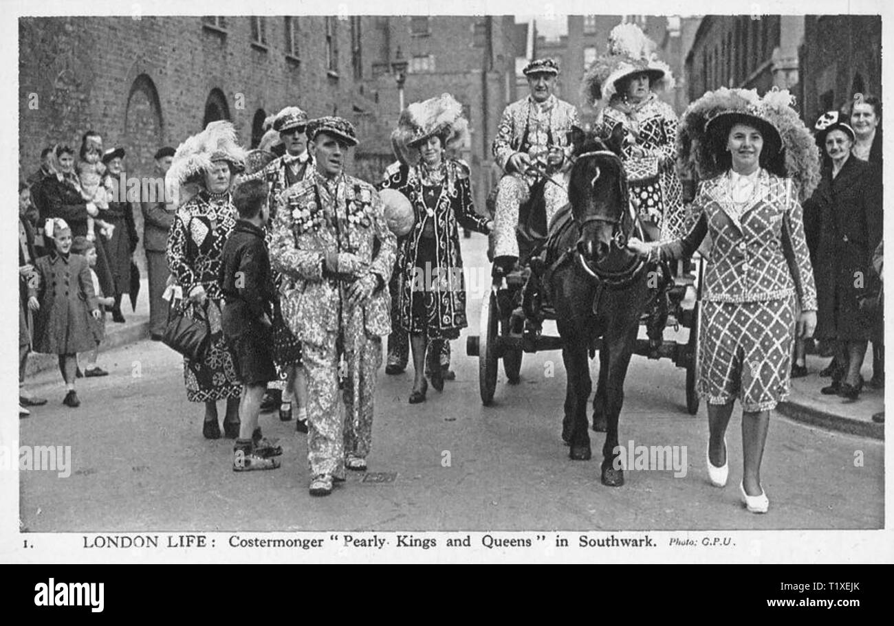 PEARLY KINGS AND QUEENS in London in the 1950s - Stock Image