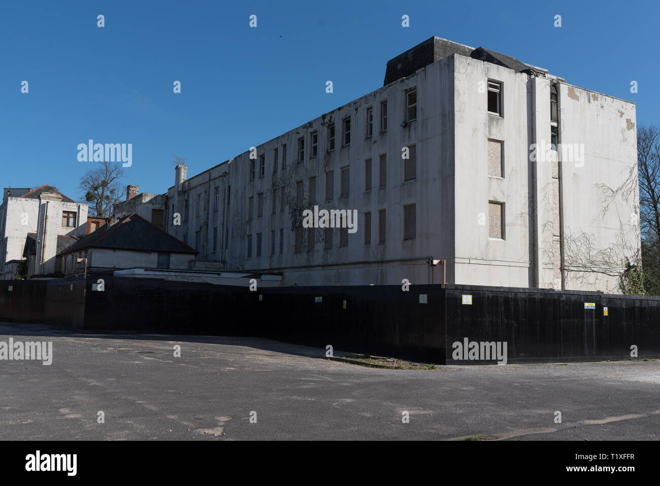empty old hotel in Lyndhurst Hampshire - Stock Image