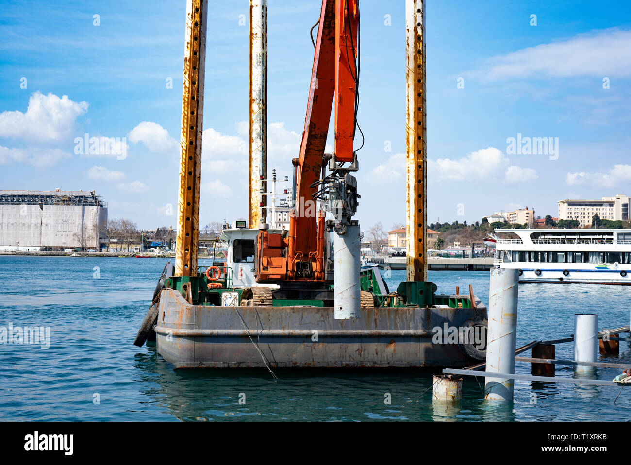 Steel Piling Stock Photos & Steel Piling Stock Images - Alamy