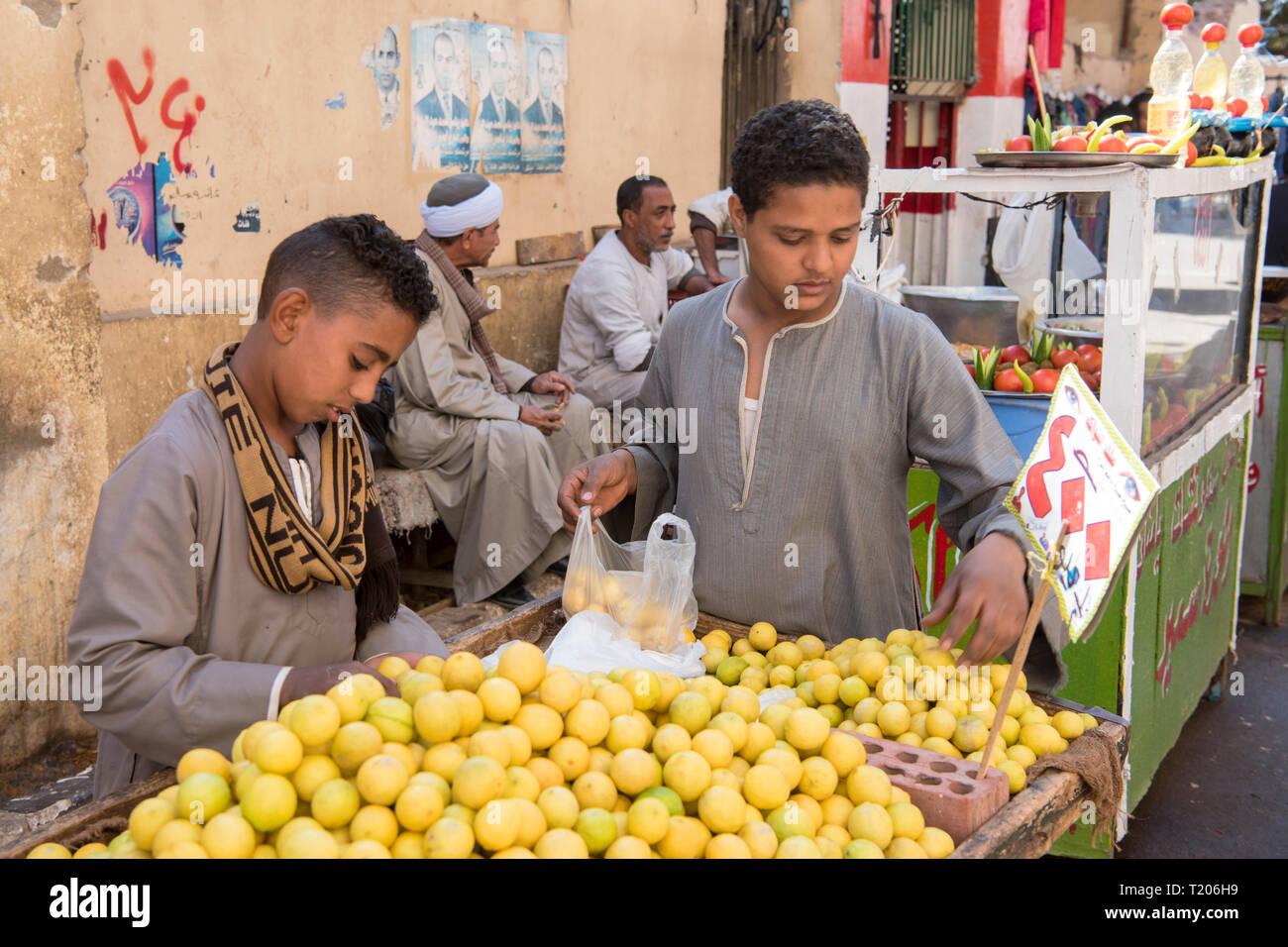 Ägypten, Luxor, im Souk Stock Photo