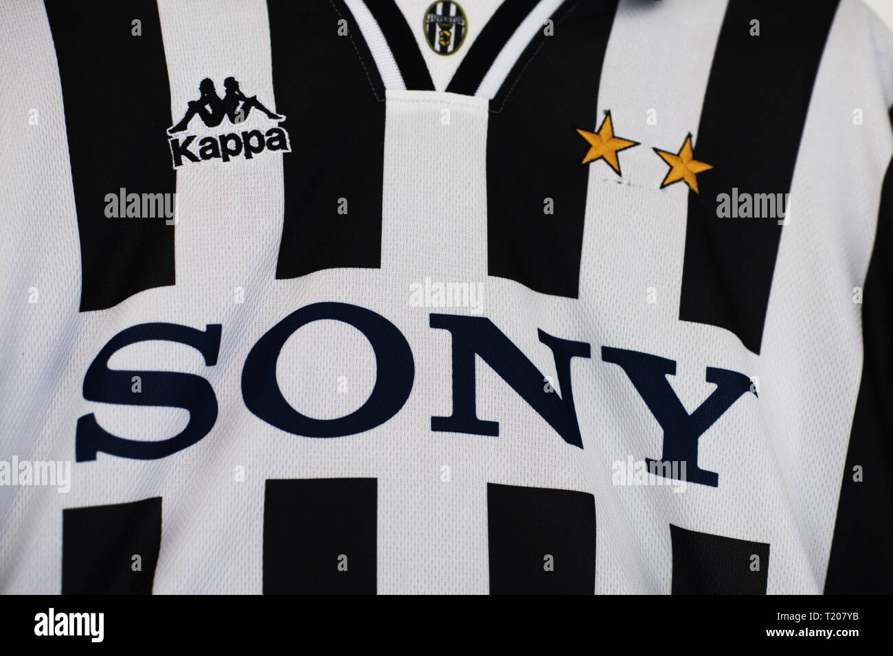 pretty nice 75291 58b69 Close up of Juventus home kit 1996/97 with Sony Sponsorship ...