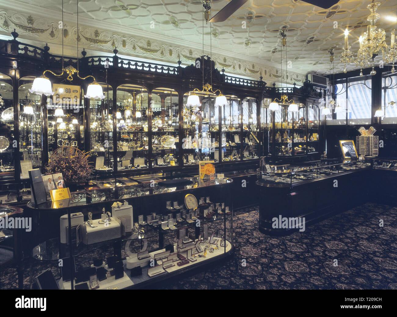 Shop interior of Payne & Son Ltd Jewellers & Silversmiths. Tunbridge Wells, Kent, England, UK Stock Photo