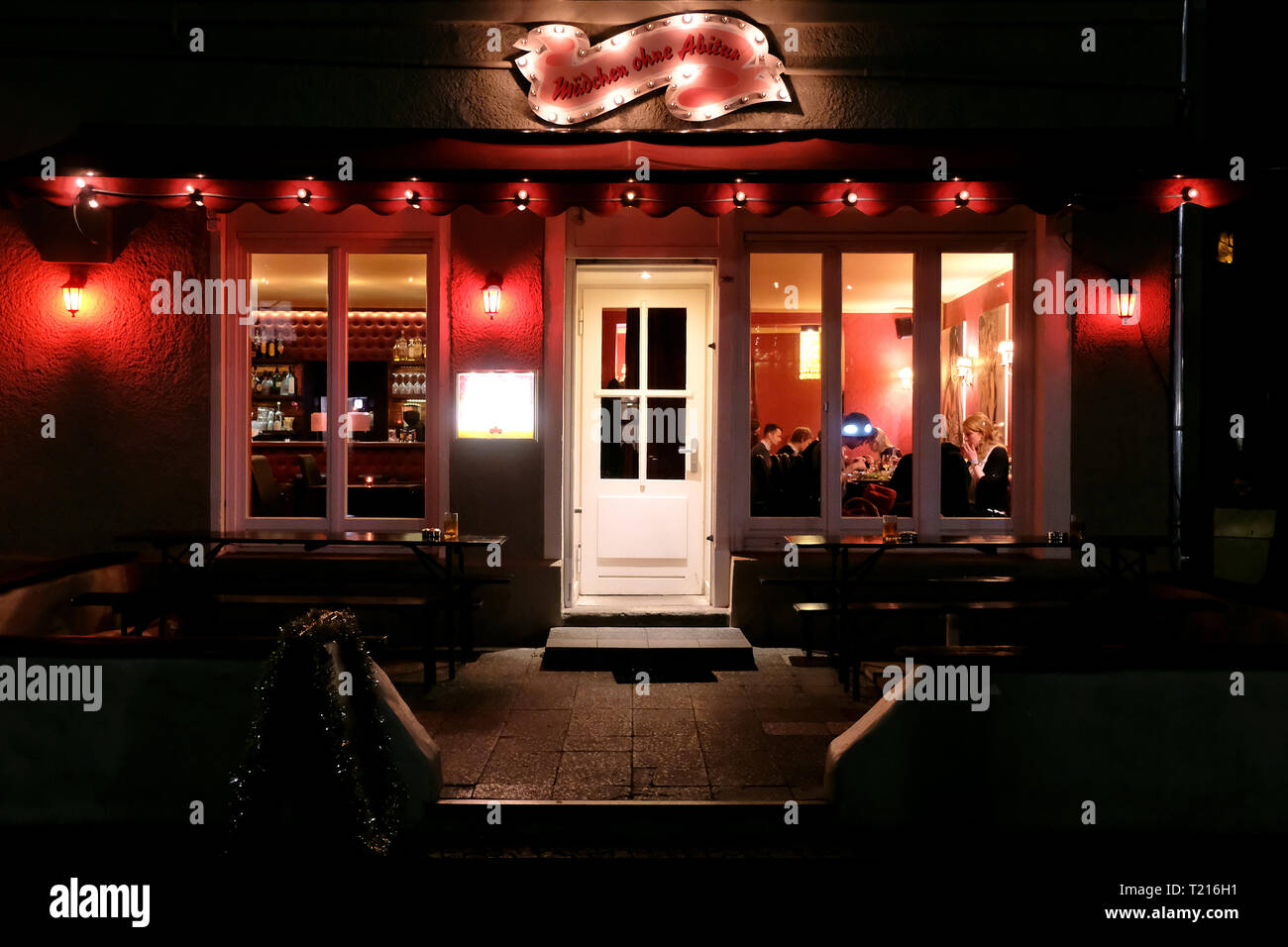 Restaurant 'Mädchen ohne Abitur' in the Körtestraße Berlin-Kreuzberg. - Stock Image