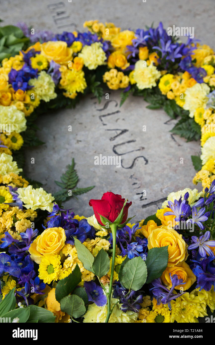 Wreath at Baltzar von Platens grave in memory of his 250th birthday. - Stock Image