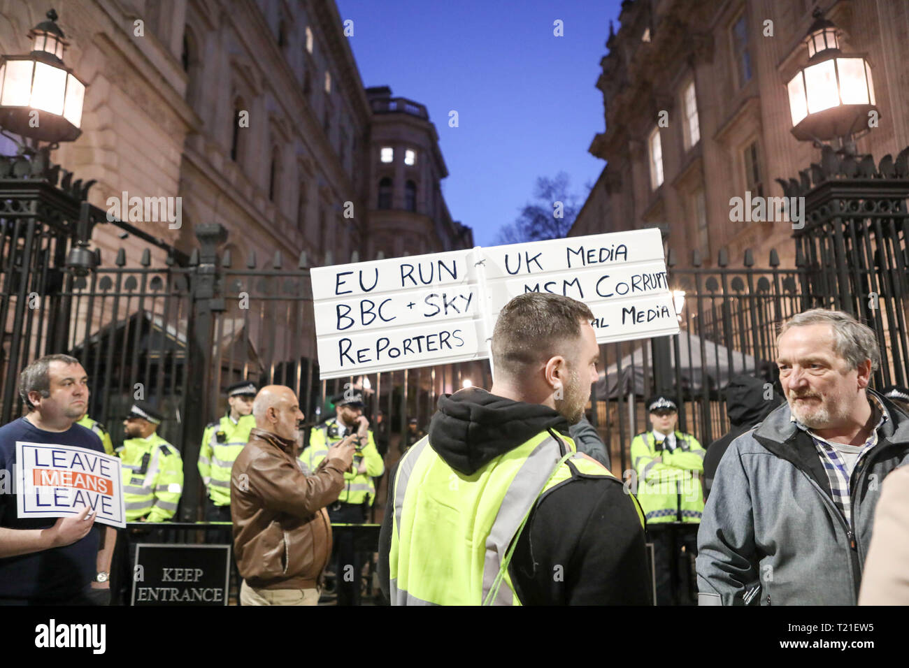 London, UK. 29th March, 2019. Scuffles and a standoff between police and Brexit demonstrators outside downing Street. Credit: Penelope Barritt/Alamy Live News Stock Photo