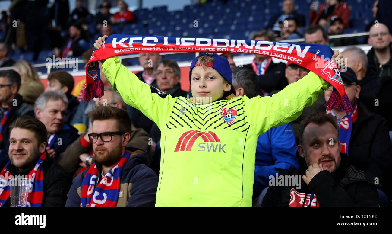 Duisburg, Deutschland. 29th Mar, 2019. firo: 29.03.2019 Football, 3rd Bundesliga, season 2018/2019 KFC Uerdingen 05 - 1. FC Kaiserslautern A small Uerdingen fan. | usage worldwide Credit: dpa/Alamy Live News - Stock Image