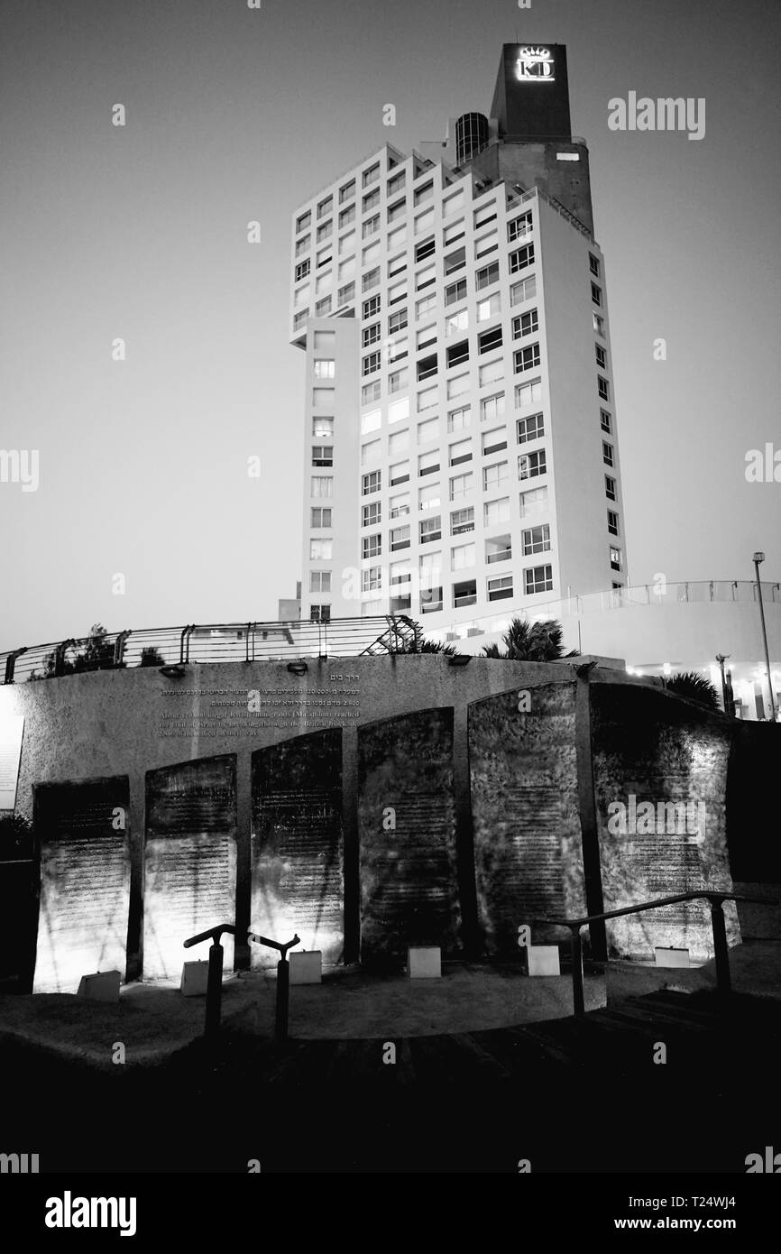 ALIYA BET MONUMENT TEL AVIV - MIGRANTS MONUMENT TEL AVIV SEA FRONT - ISRAEL HISTORY UNDER BRITISH MANDATE © Frédéric BEAUMONT - Stock Image