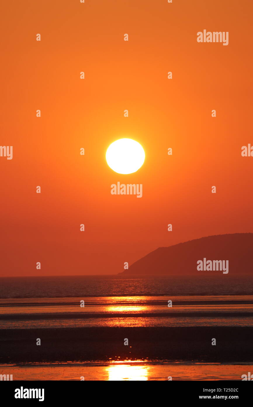 Hot Un Stock >> Sunset Over Weston Super Mare Beach Somerset Coastline Deep Orange