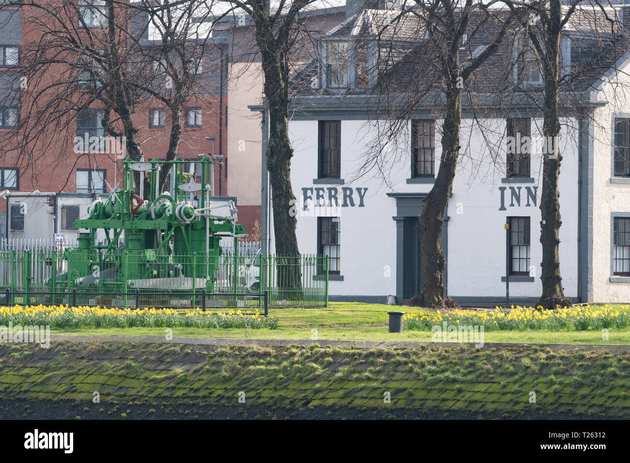 Ferry Inn, Renfrew and the engines from the paddle tug Clyde, Renfrew, Scotland, UK - Stock Image
