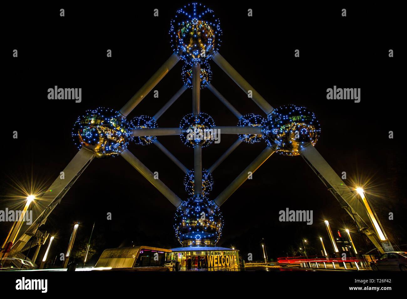 Perfect Symmetry of the Atomium - Stock Image