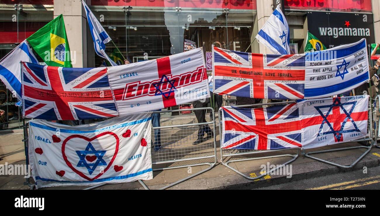 London, UK. 30 March, 2019. A small pro-Israeli counter protest. Palestinians and supporters gathered outside of the Israeli Embassy in London to mark the beginning of Nakba and to call on the global community to hold Israel to account for their violation of human rights and International law. David Rowe/ Alamy Live News. Stock Photo