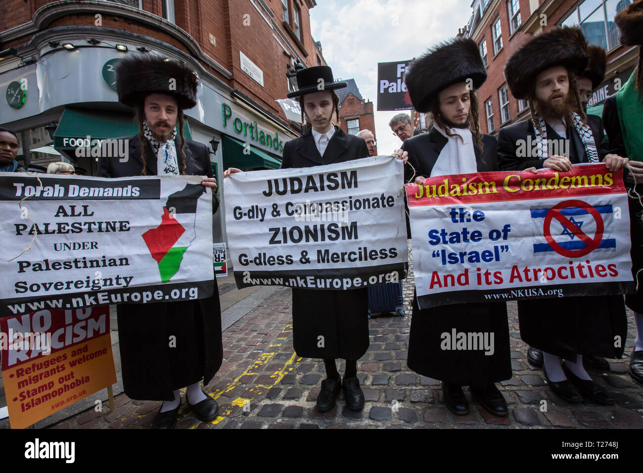 London, UK. 30 March, 2019. Hasidic Jews join the protest. Palestinians and supporters gathered outside of the Israeli Embassy in London to mark the beginning of Nakba and to call on the global community to hold Israel to account for their violation of human rights and International law. David Rowe/ Alamy Live News. Stock Photo