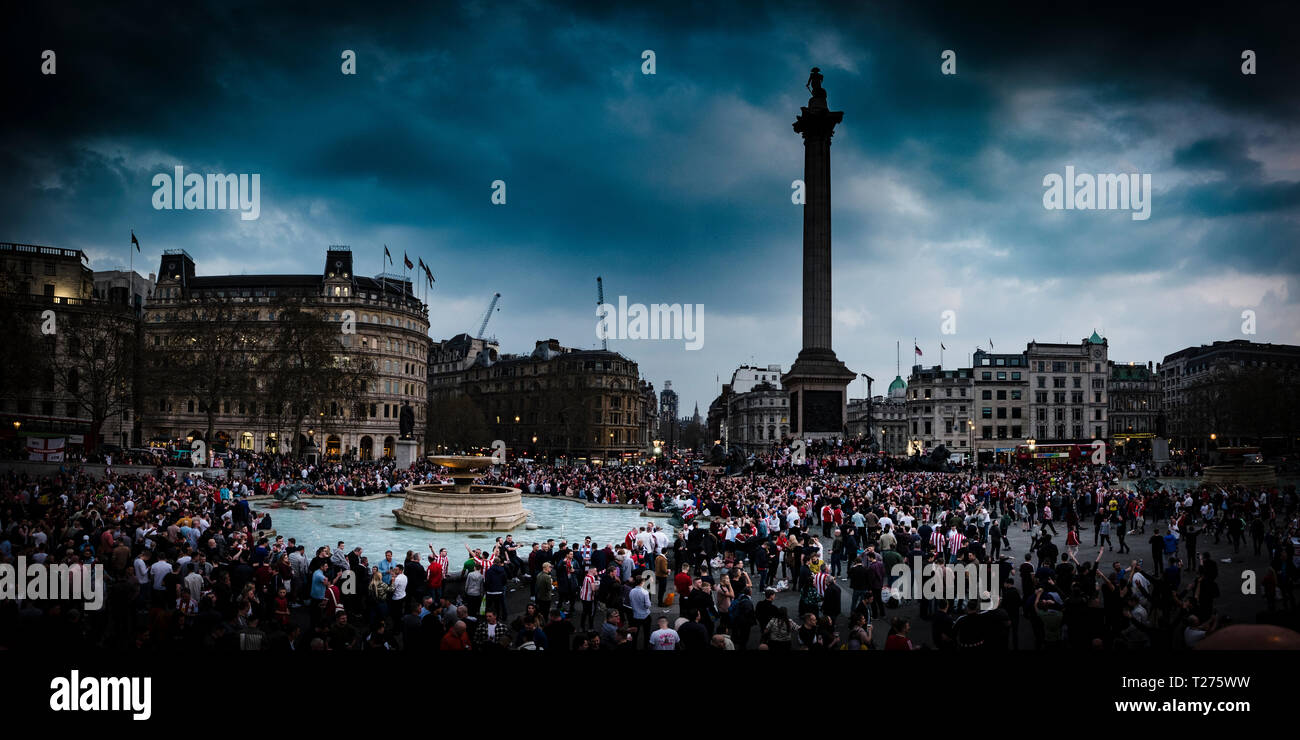 London, UK 30th March 2019. Thousands of Sunderland fans descend on Trafalgar Square in London in advance of their Checkatrade Trophy final against Portsmouth on Sunday (c) Paul Swinney/Alamy Live News - Stock Image