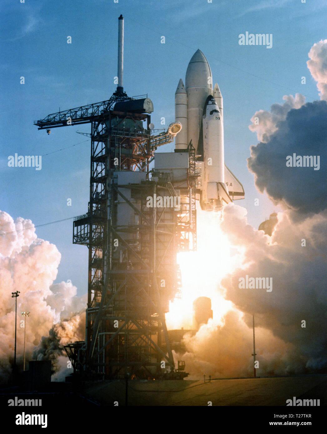 space shuttle columbia april 12 1981 - photo #19
