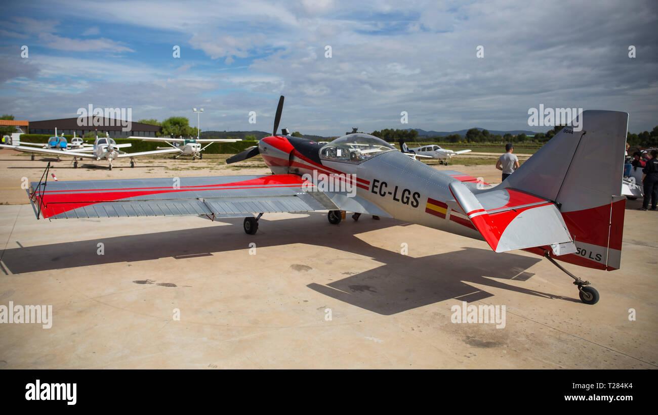 Acrobatic Spain Championship 2018, Requena (Valencia, Spain) junio 2018, airplane ZLIN Z-50. - Stock Image