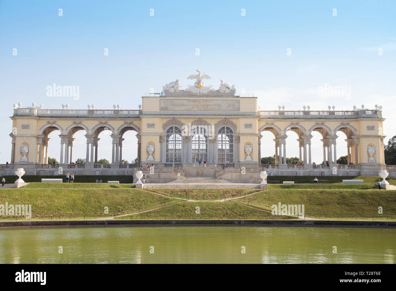 Vienna, Austria - July 06 2018: 'Schonbrunn' palace (Schloss Schonbrunn) and the Gloriette Building – Stock Editorial Photography - Stock Image