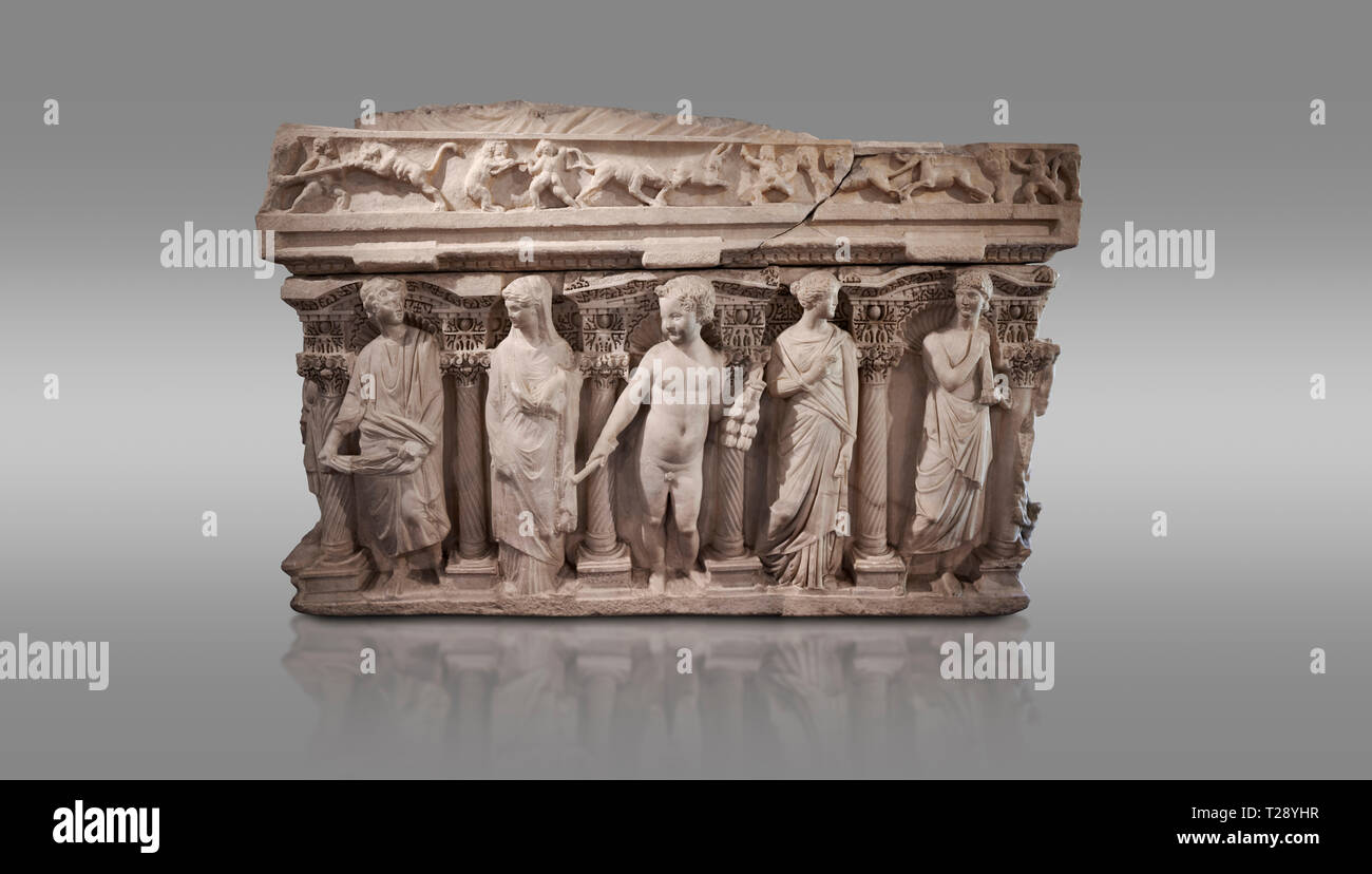 """Roman relief sculpted sarcophagus with kline couch lid, 'Columned Sarcophagi of Asia Minor"""" style typical of Sidamara, 3rd Century AD, Konya Archaeolo - Stock Image"""